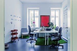 Schöner heller Office-Raum frei ab 1. Oktober!